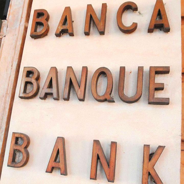 ottenere a buon mercato Garanzia di qualità al 100% foto ufficiali Frasi sulle banche