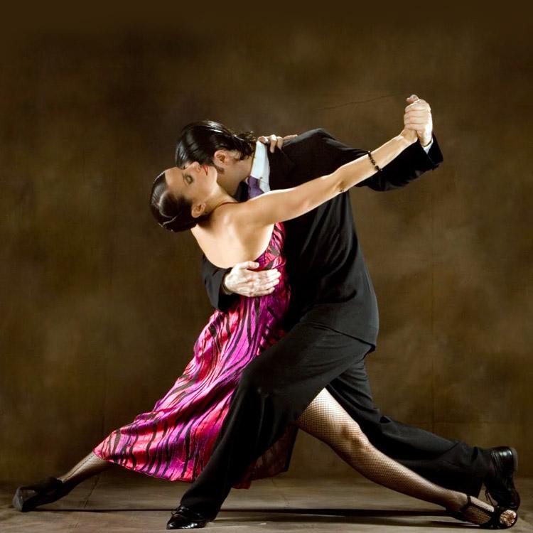 coppia che balla un tango