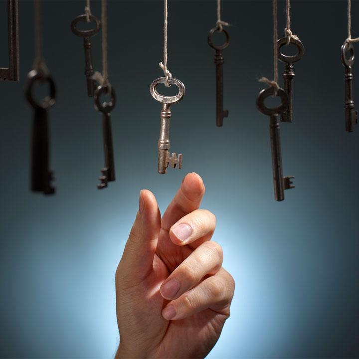 intuito: mano che sceglie la chiave giusta