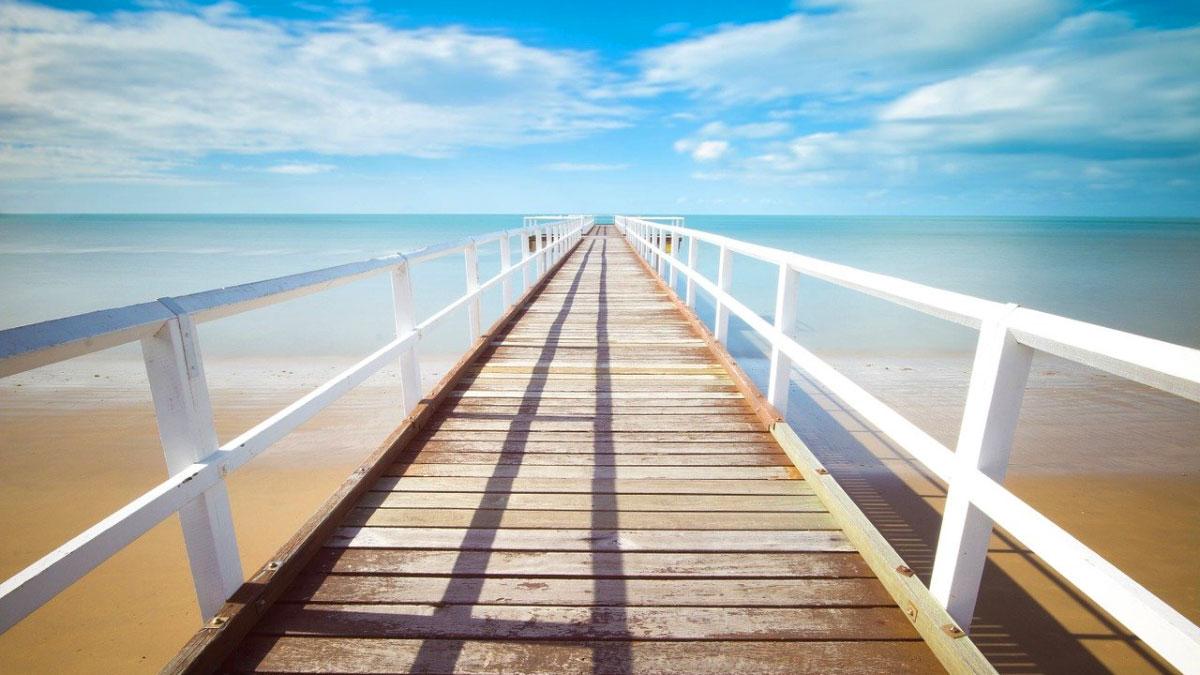 pontile spiaggia mare